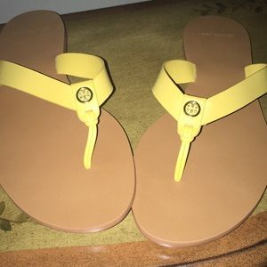 New in Box Tory Burch Manion sandals